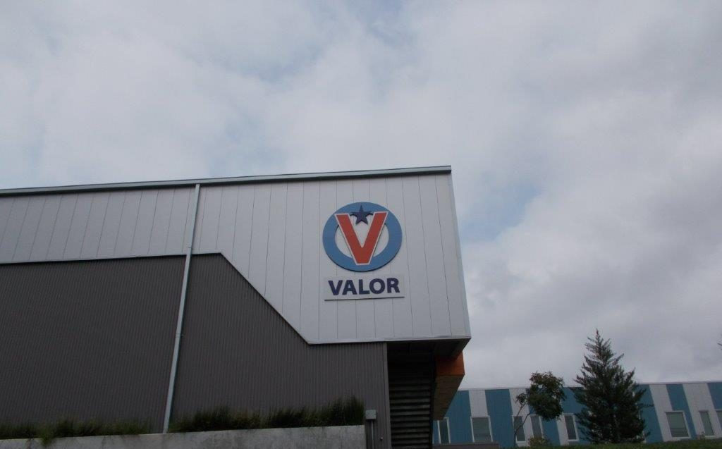 Valor business designed by a local sign company in Nashville